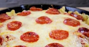 juusto_makaroni_pepperoni_pizza