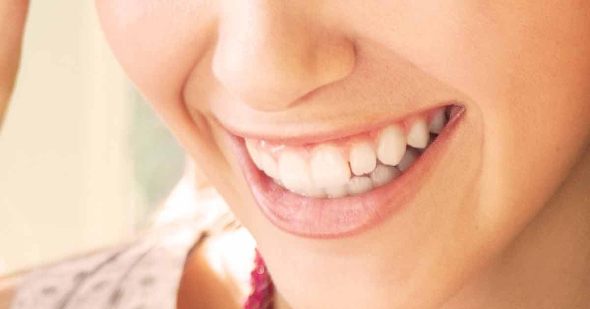 Näin tapahtuu, kun peität hampaasi foliolla.