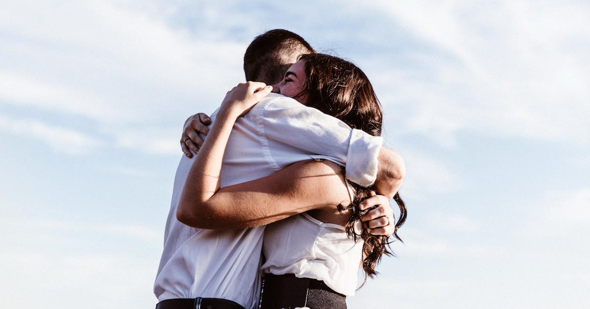 Pienet teot voivat pelastaa päivän - Neljä sydäntä lämmittävää tarinaa
