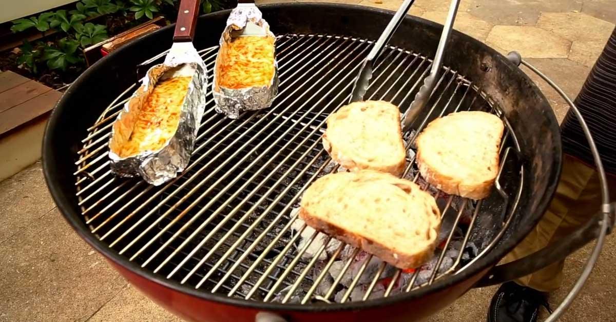 Näppärä tapa tehdä grillattua juustoa ja leipää