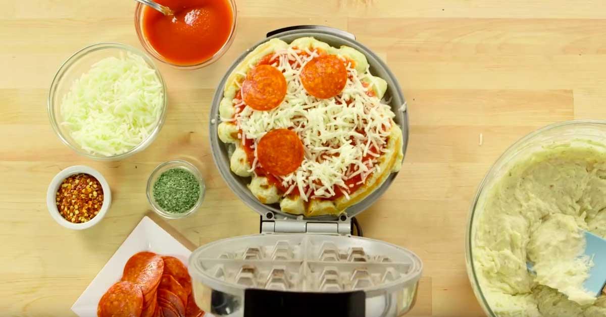 Herkullinen ruokavinkki: Näin valmistat pizzaa vohveliraudalla