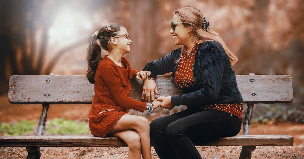 7 keskustelua, jotka jokainen on käynyt äitinsä kanssa