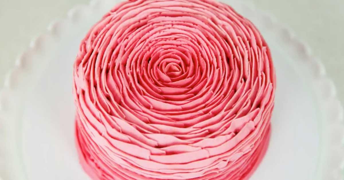 Upea kakku kuin satukirjasta – katso kuinka tämä kaunis koristelu tehdään
