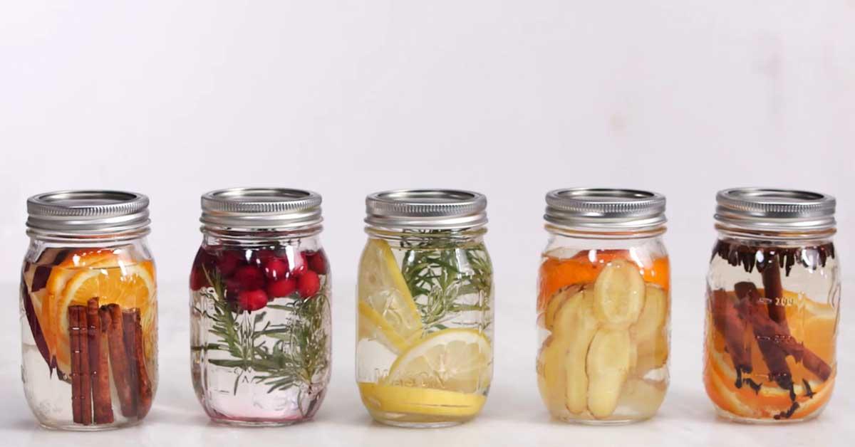 5 helppoa tee-se-itse hajustinta, jotka antavat kodillesi upean tuoksun.