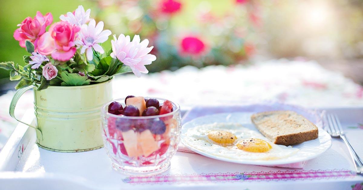 Ravitsemusasiantuntijat listasivat 6 asiaa, joita kannattaa tehdä aamulla ennen klo 10