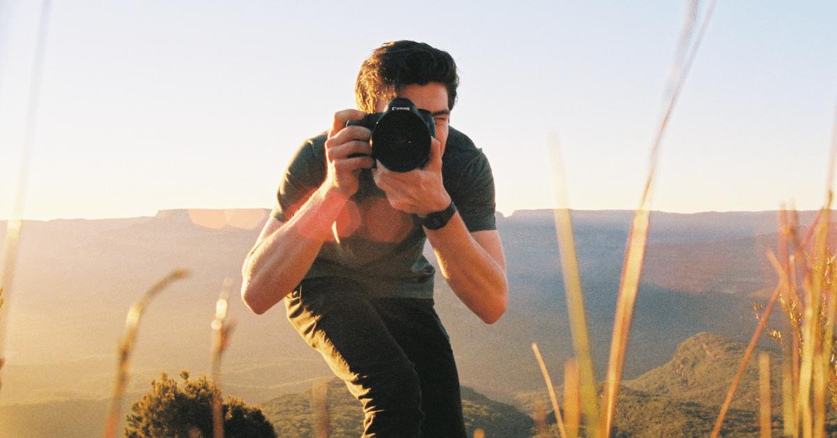 Haluatko näyttää paremmalta valokuvissa? – 6 hyvää niksiä
