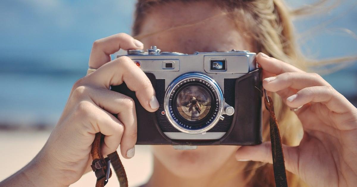 6 niksiä joiden avulla näytät paremmalta valokuvissa