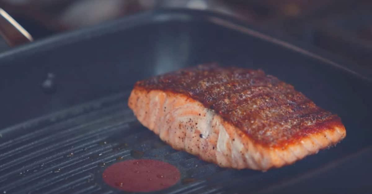 Grillivinkki: Jamie Oliver neuvoo – näin grillaat täydellistä kalaa