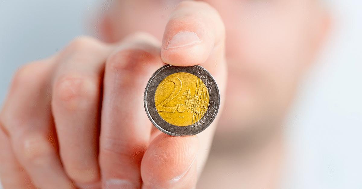 11 rahaan liittyvää asiaa, joista parisuhteessa on kannattaa puhua