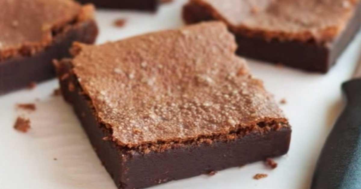 2 raaka-aineen suklaa browniet – maailman helpoin herkku