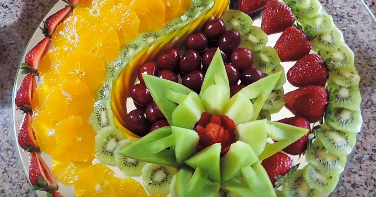Näin valmistat huikean näyttävän hedelmälautasen