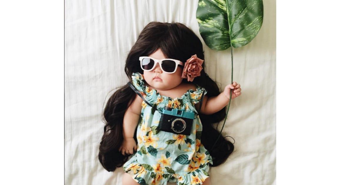 Tämä lapsi ei tiedä olevansa kuuluisa asustemalli nukkuessaan