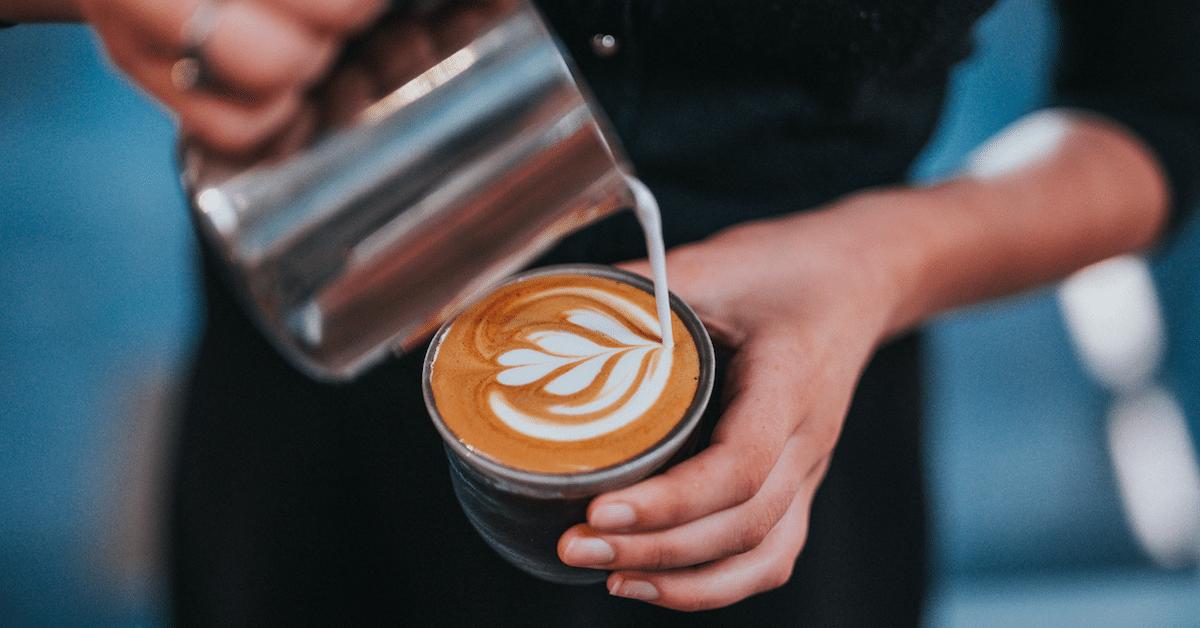 Tämän vuoksi kahviin ei kannata lisätä rasvatonta maitoa
