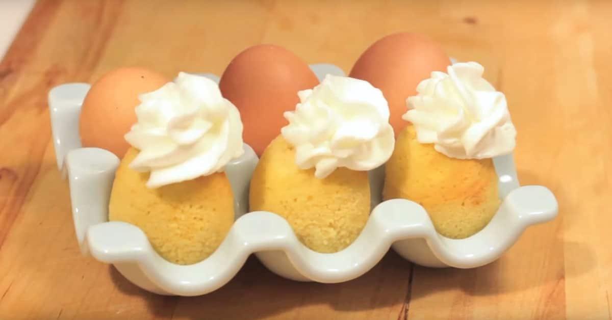 Näin paistat pienet kakut kananmunien sisällä