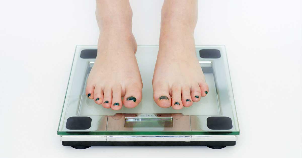8 Pientä muutosta joiden avulla voit tiputtaa painoa – Onnistu pienin askelin