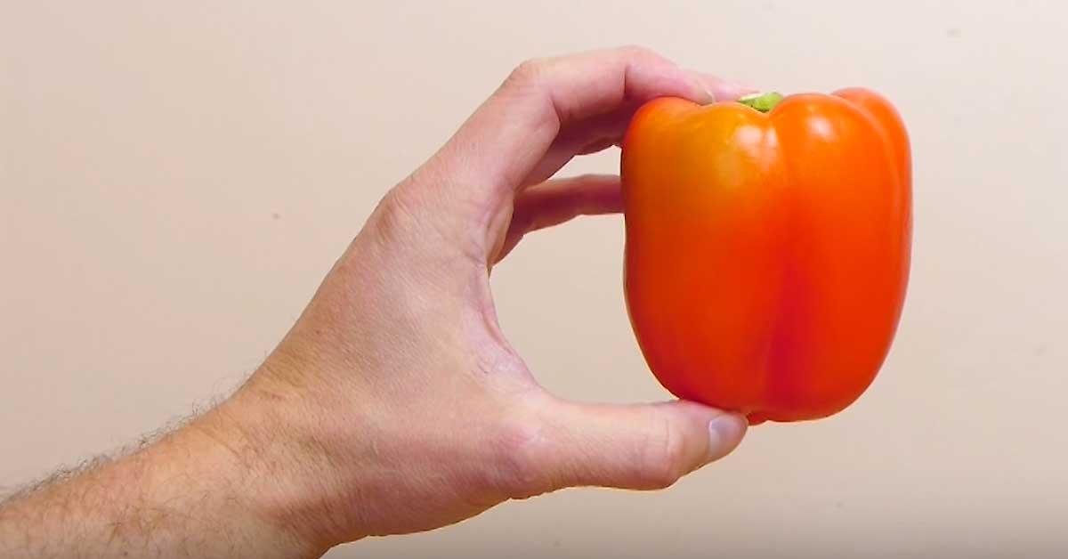 Ylivoimaisesti kätevin tapa leikata paprika