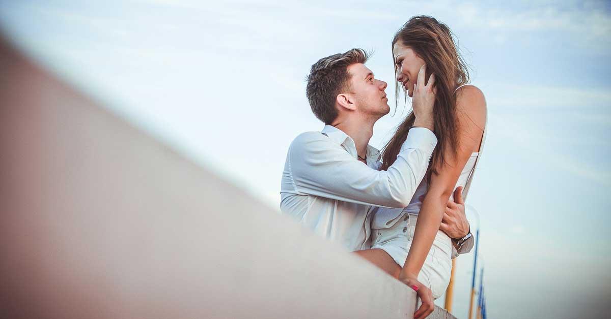 8 Tapaa pitää seksuaalista liekkiä yllä makuuhuoneen ULKOPUOLELLA