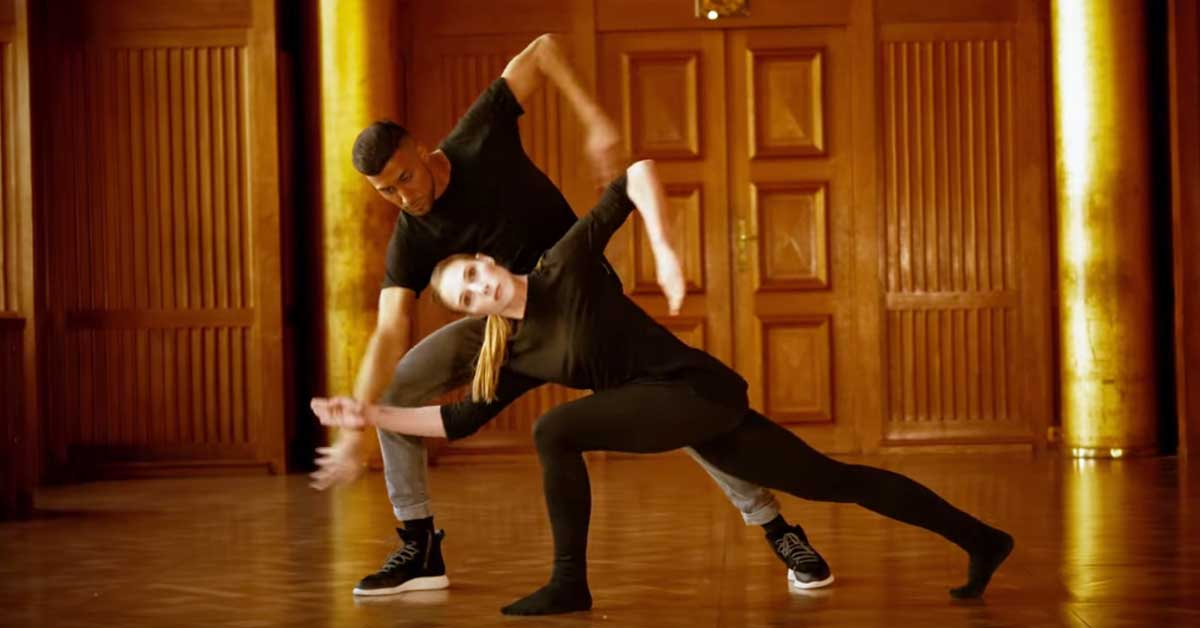 Näillä tanssijoilla on aivan uskomaton koordinaatiokyky