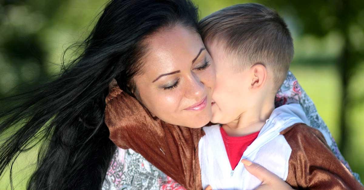 Uusi tutkimus vahvistaa, että lapset perivät viisautensa ÄIDILTÄ