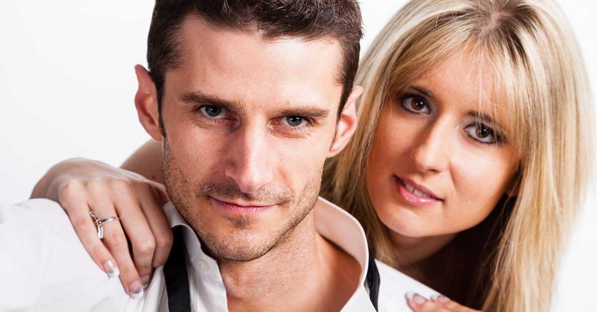5 syytä mennä naimisiin itseäsi vanhemman miehen kanssa