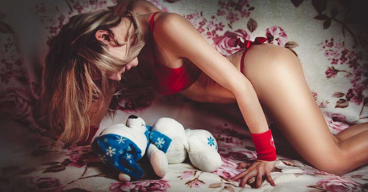7 ehdotusta: Kokeile näitä seksiasentoja, kun olet vielä nuori ja notkea