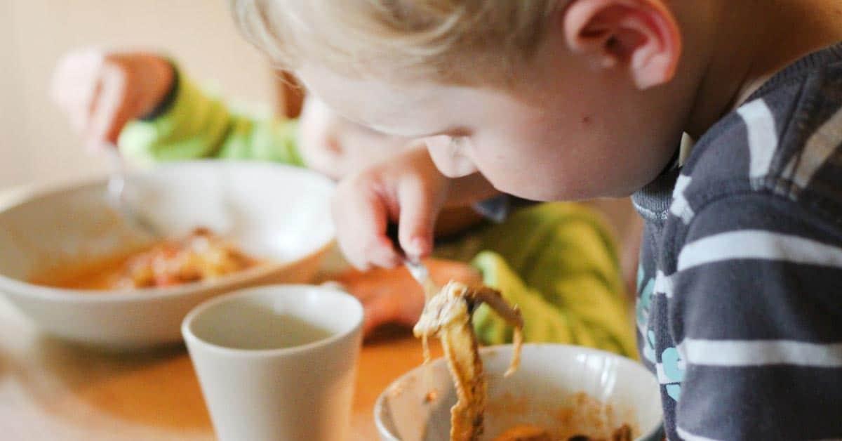 Näin saat lapset syömään terveellisemmin