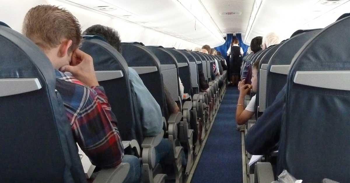 10 salaisuutta joita lentohenkilökunta ei sinulle kerro