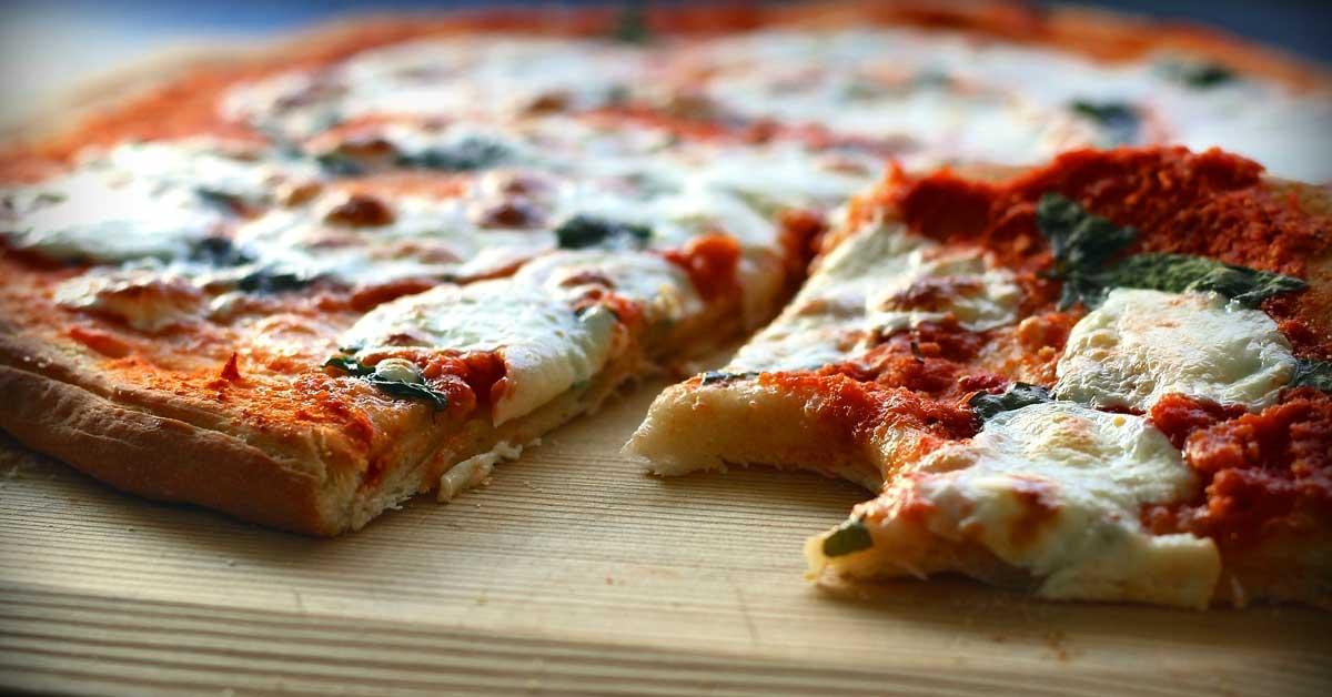 16 Syytä miksi pizza on parempaa kuin miehet