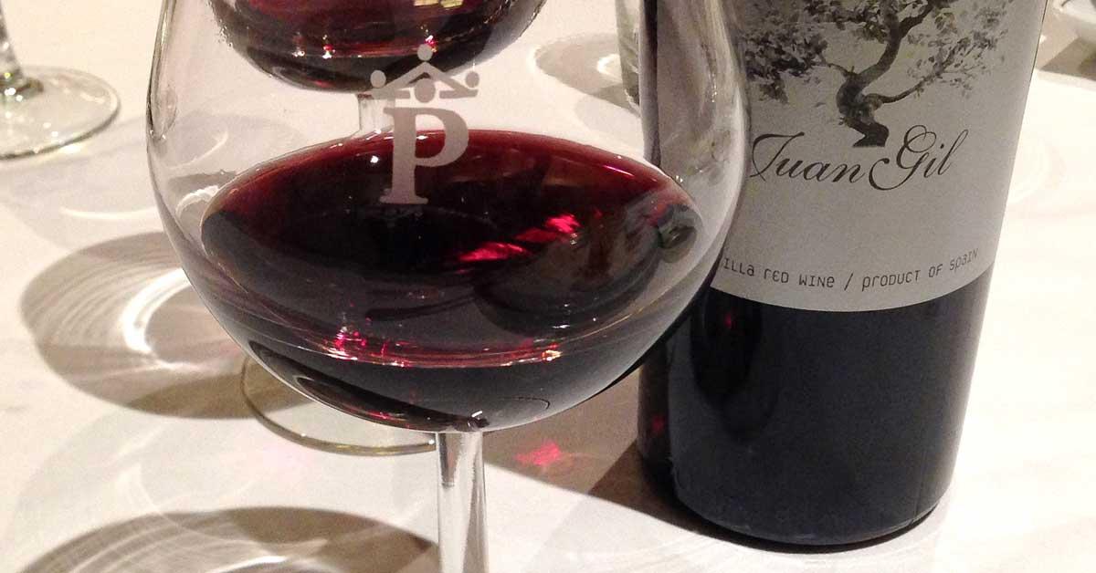 Tutkimus: Viinilasillinen auttaa hidastamaan ikääntymistä