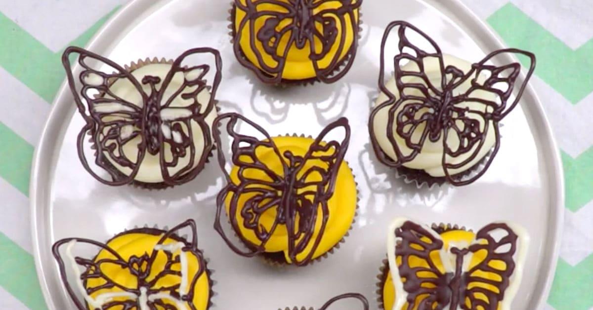 Näin valmistat kauniita ja herkullisia suklaaperhosia