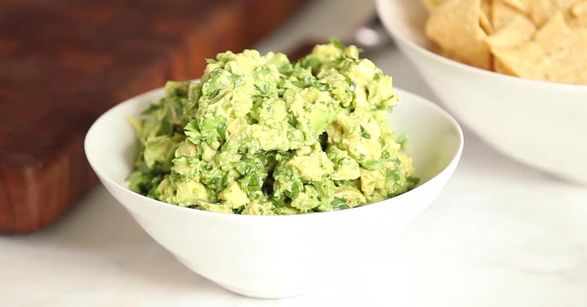 Nopein tapa valmistaa guacamolea