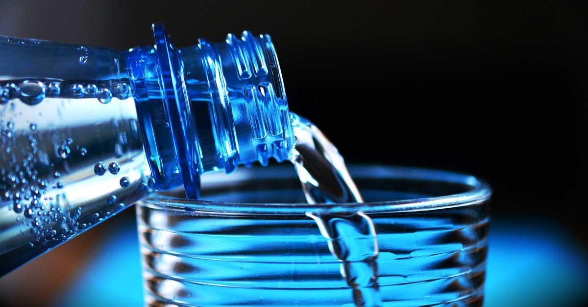 Pudota painoa juomalla 2 lasia vettä ennen jokaista ateriaa 2 viikon ajan
