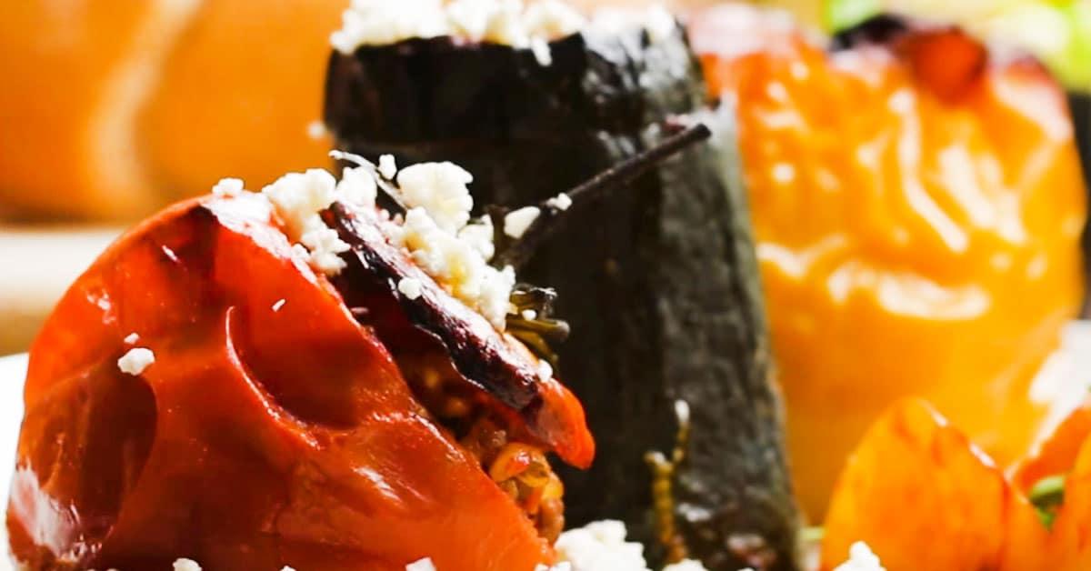 Gemista – Kreikkalaisia täytettyjä paprikoita ja tomaatteja