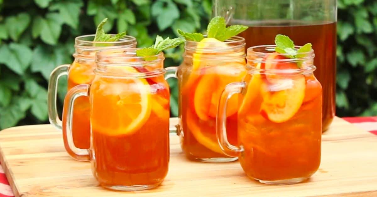Persikka-viskijäätee – maukas kesäjuoma aikuiseen makuun