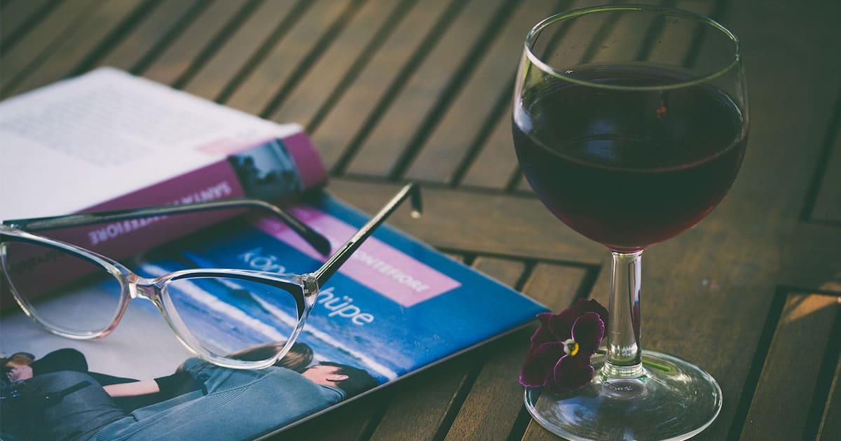 Lasillinen viiniä ennen nukkumaanmenoa edistää painonpudotusta