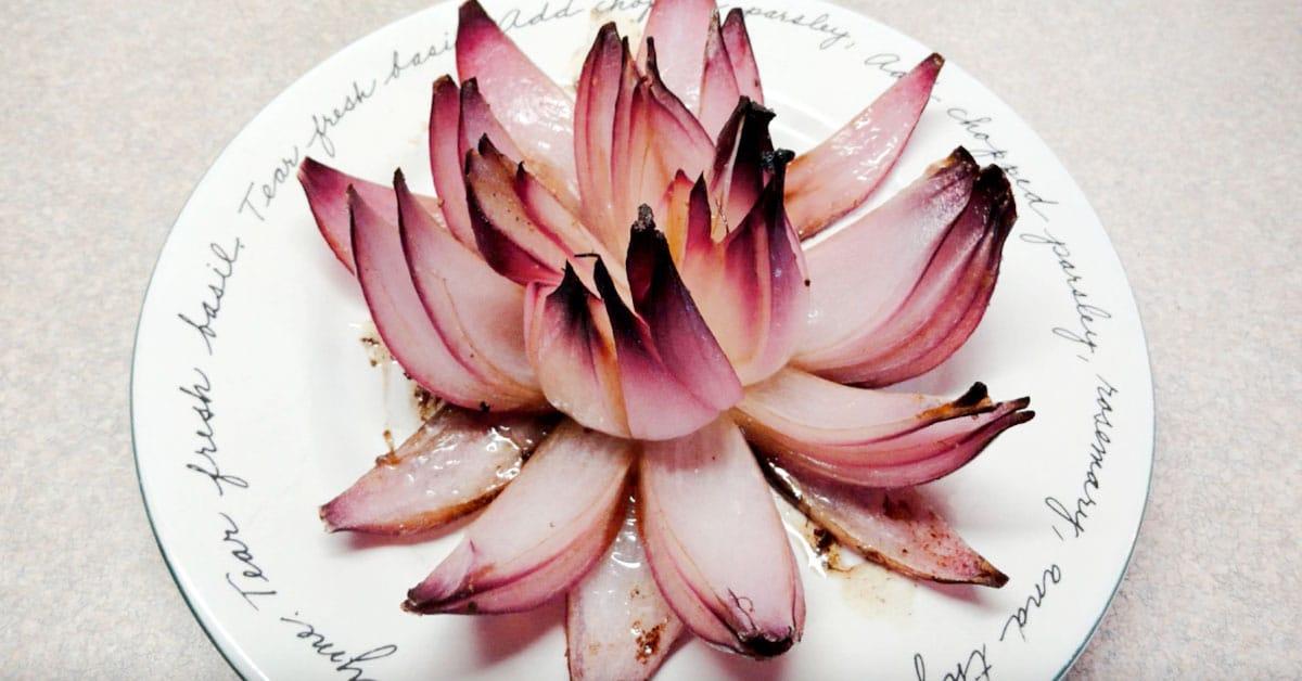Näin valmistat kauniit sipulikukkaset – näyttävää ja herkullista!