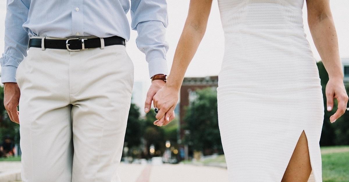 10 syytä siihen, miksi vanhemmat miehet ovat parhaita poikaystäviä