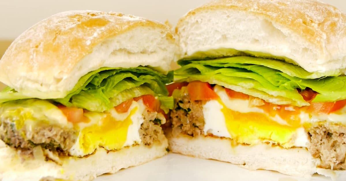 Herkulline sekä käytännöllinen niksi hampurilaisen paistamiseen – katso vinkki videolta!