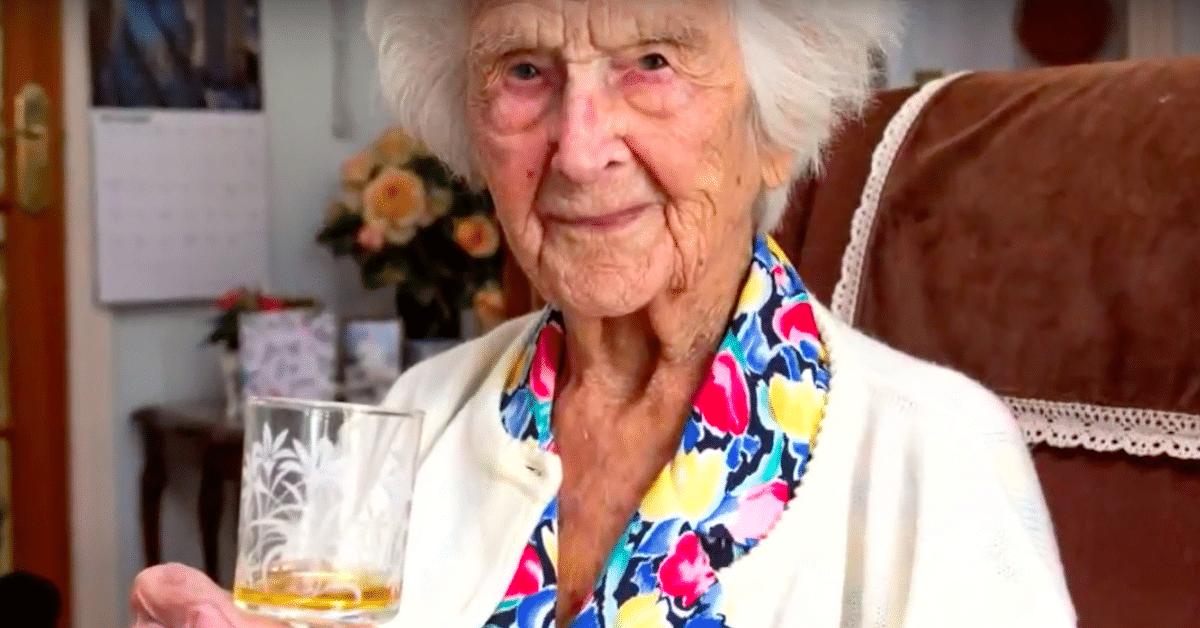 111-vuotiaan mukaan pitkän iän salaisuus löytyy pullosta