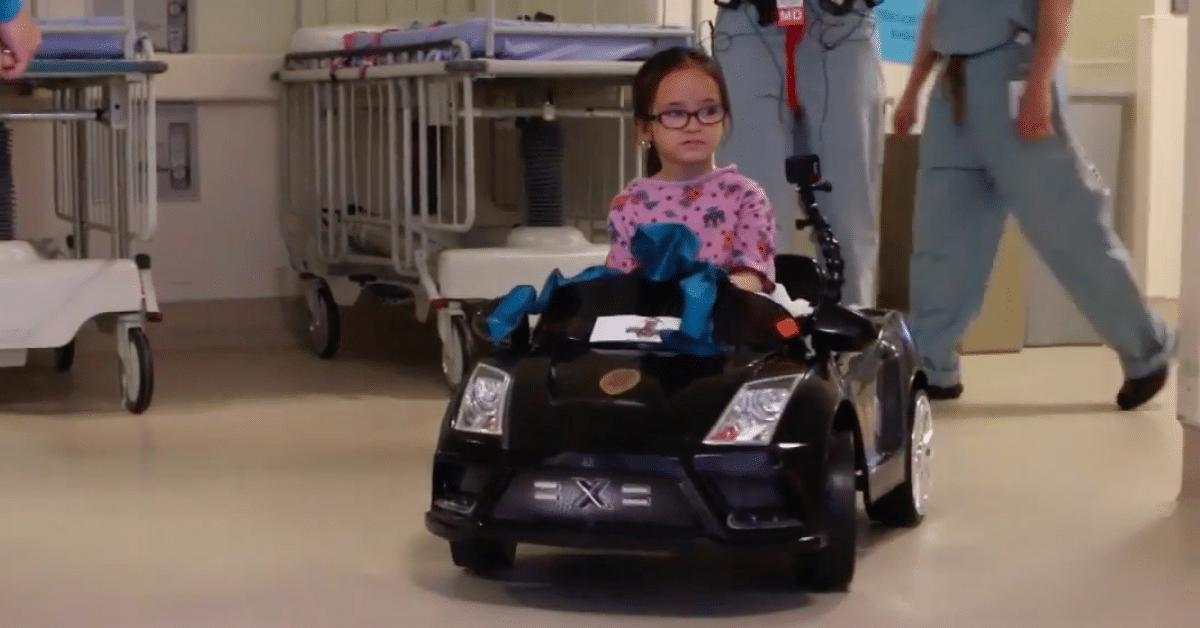 Tässä sairaalassa lapset ajavat luksusautoilla!