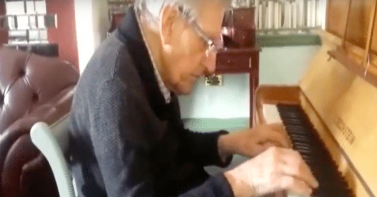 Dementiaa sairastava veteraani soittaa vaimonsa lempikappaleen