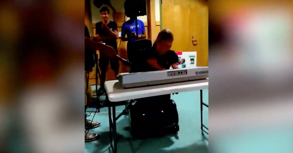 16-vuotias amputointipotilas on taitava pianonsoittaja