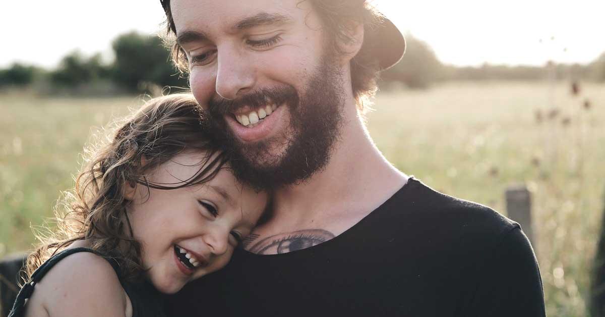 4 tapaa, joilla isät voivat parantaa tyttäriensä elämää