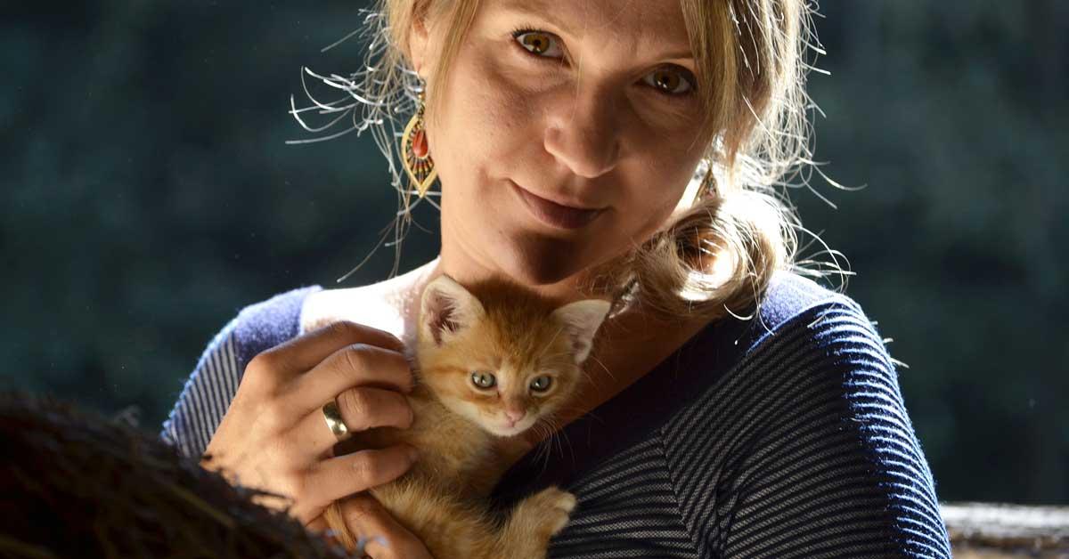 Tutkimus: Kissaihmiset älykkäämpiä – koiraihmiset eloisampia