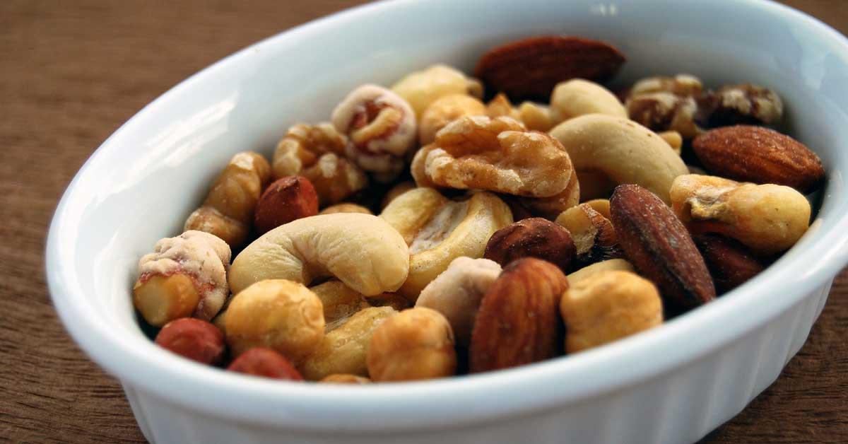 10 syytä syödä paljon enemmän pähkinöitä ja siemeniä