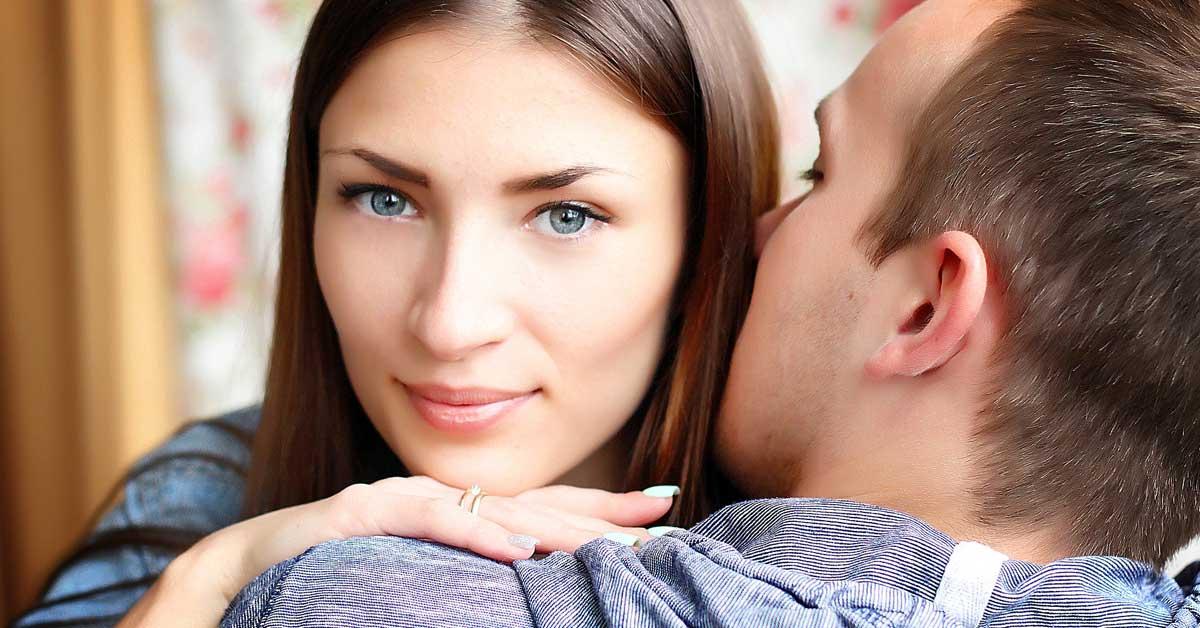 5 pahinta tapaa, jotka pilaavat parisuhteita