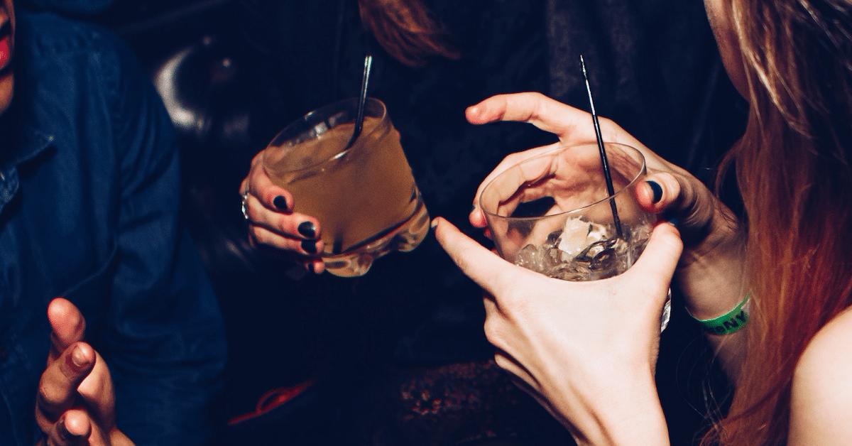 22 asiaa, joita ei tulisi koskaan sanoa ihmiselle, joka ei juo alkoholia