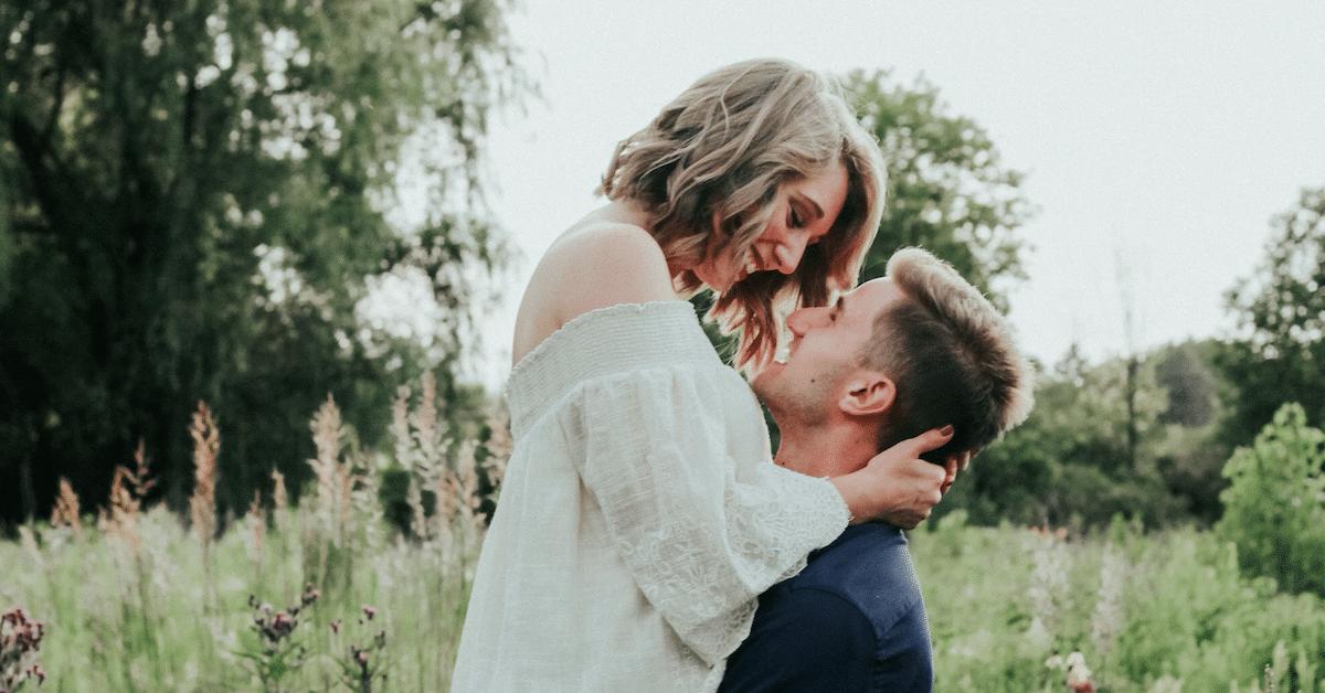 4 Asiaa, jotka sinun tulisi tehdä kumppanillesi päivittäin
