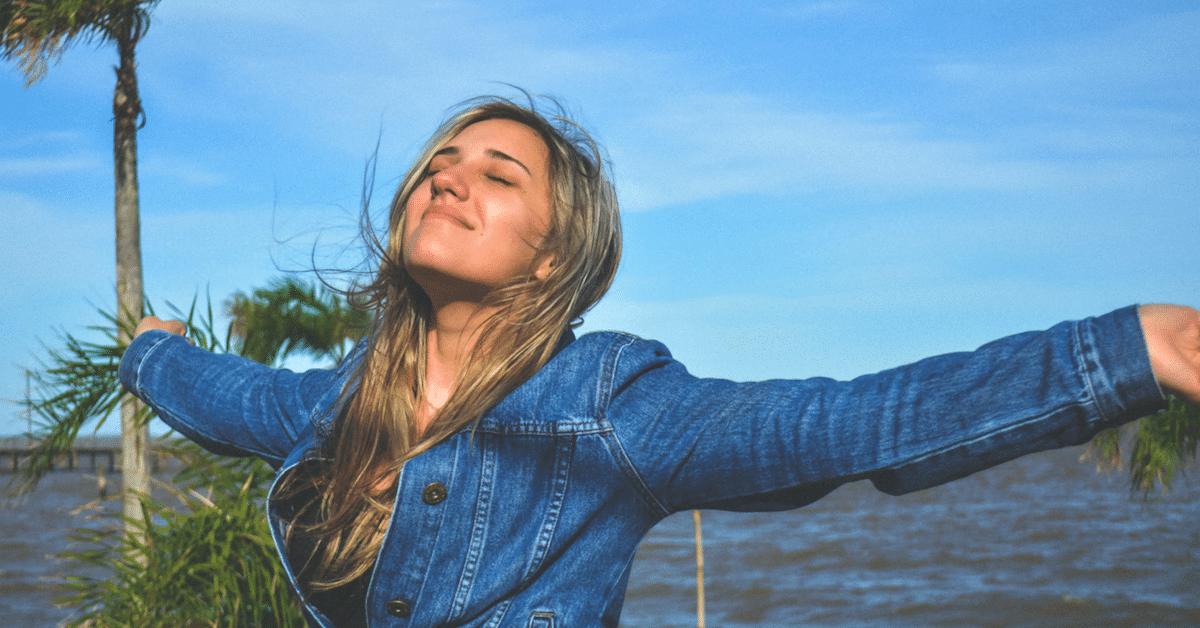 Tutkimus paljastaa – ihmiset, jotka arvostavat aikaa enemmän kuin rahaa, ovat onnellisempia