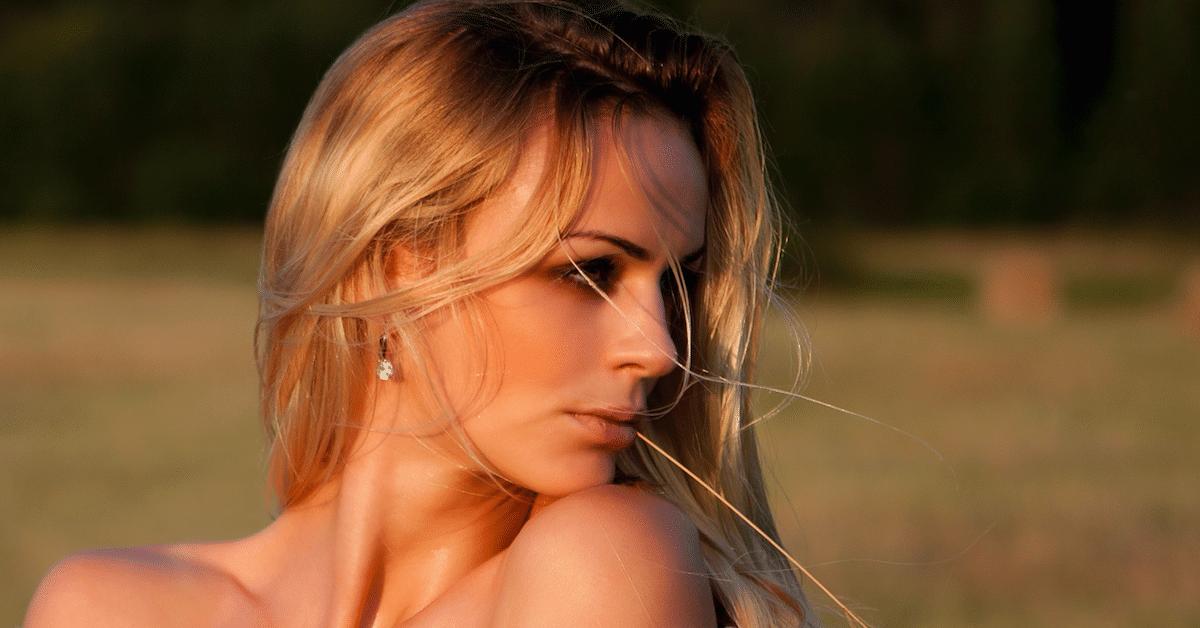 Tutkimus paljastaa – Miehet pitävät blondeja nuorekkaampina ja terveemmän näköisinä kuin brunetteja